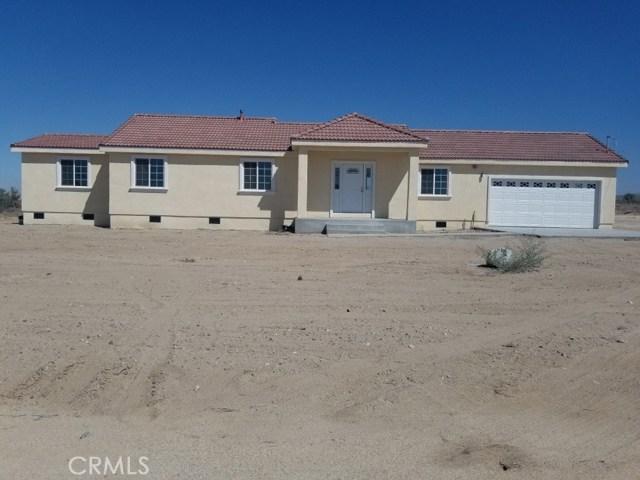 33304 165th Street E, Llano, CA 93544