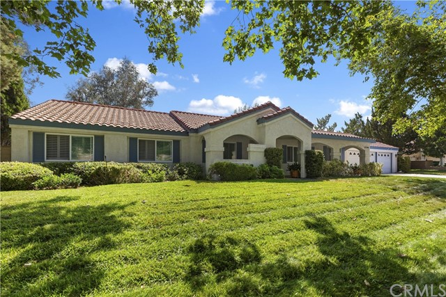 17596 Mockingbird Hill Circle, Riverside, CA 92504