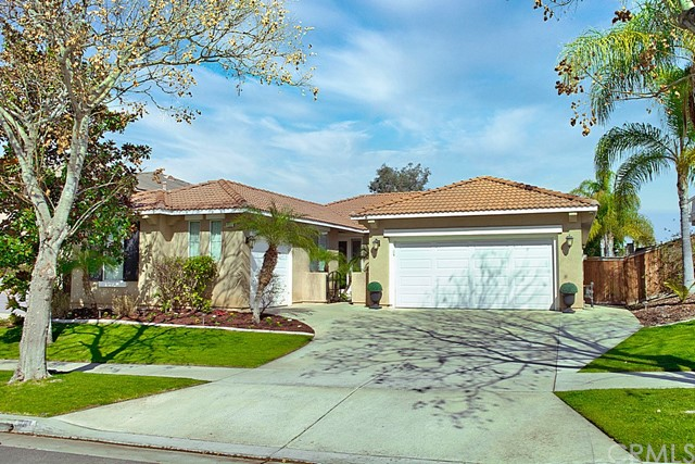 841 W Orange Heights Lane, Corona, CA 92882