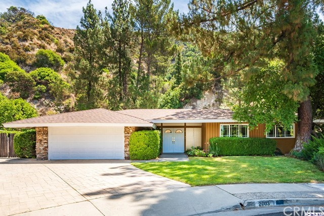 2003 Derwood Drive, La Canada Flintridge, CA 91011