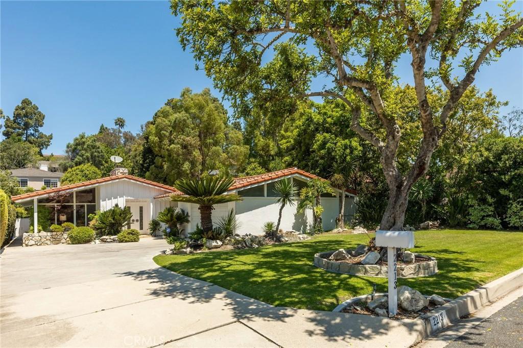 Photo of 2213 Via Fernandez, Palos Verdes Estates, CA 90274