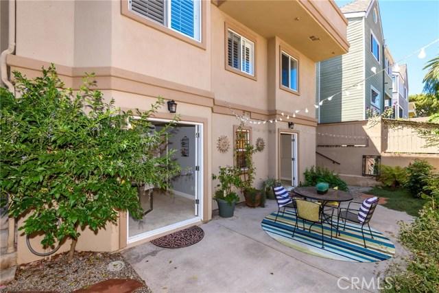 511 El Redondo Avenue, Redondo Beach, California 90277, 4 Bedrooms Bedrooms, ,2 BathroomsBathrooms,Townhouse,For Sale,El Redondo,SB19180506