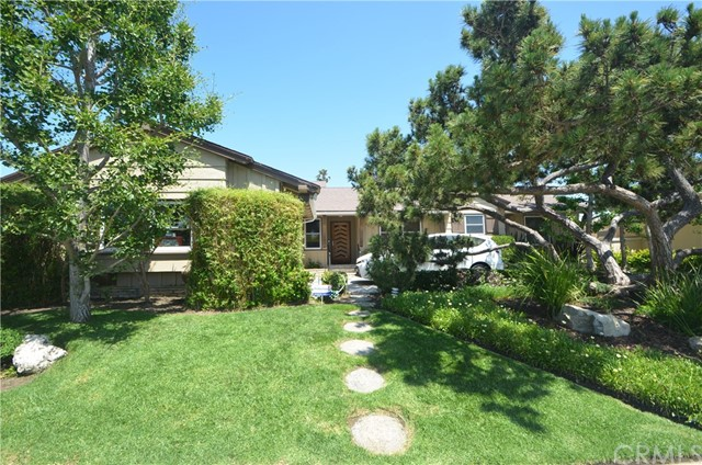 6010 S Garth Avenue, Ladera Heights, CA 90056