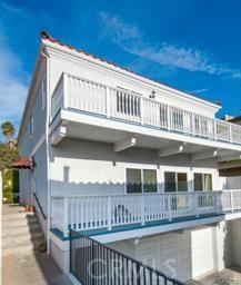 714 Juanita Avenue B, Redondo Beach, California 90277, 3 Bedrooms Bedrooms, ,3 BathroomsBathrooms,For Rent,Juanita,PV20190132
