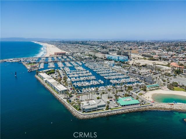 60. 526 N Elena Avenue #B Redondo Beach, CA 90277