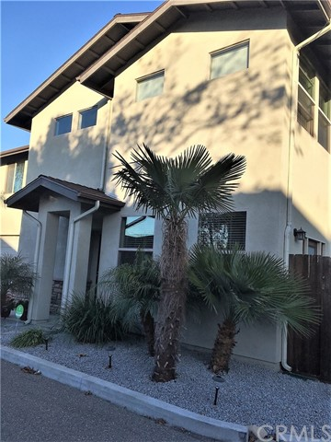1730 Newport Avenue, Grover Beach, CA 93433