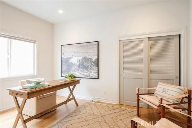 653 26th Street, Manhattan Beach, California 90266, 5 Bedrooms Bedrooms, ,3 BathroomsBathrooms,For Sale,26th,SB20212794