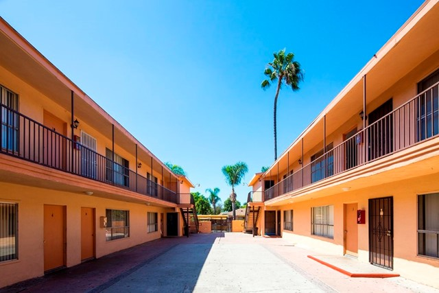 1013 S Standard Avenue, Santa Ana, CA 92701
