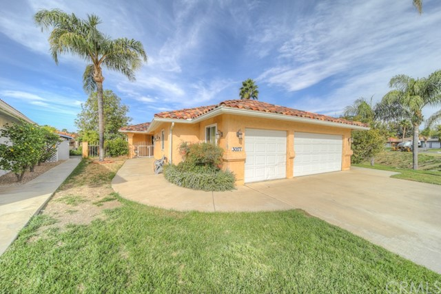 30177 Spray Drive, Canyon Lake, CA 92587