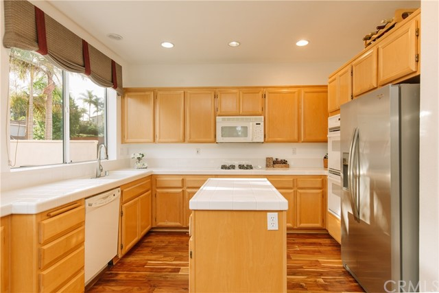 5214 Frost Avenue Carlsbad, CA 92008