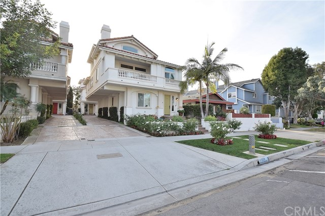 309 Broadway B, Redondo Beach, California 90277, 4 Bedrooms Bedrooms, ,3 BathroomsBathrooms,For Sale,Broadway,SB18296686
