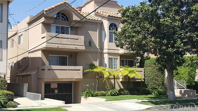 13951 Milbank Street, Sherman Oaks, CA 91423