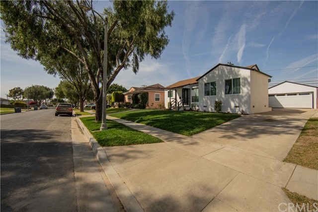 2727 Yearling Street, Lakewood, CA 90712