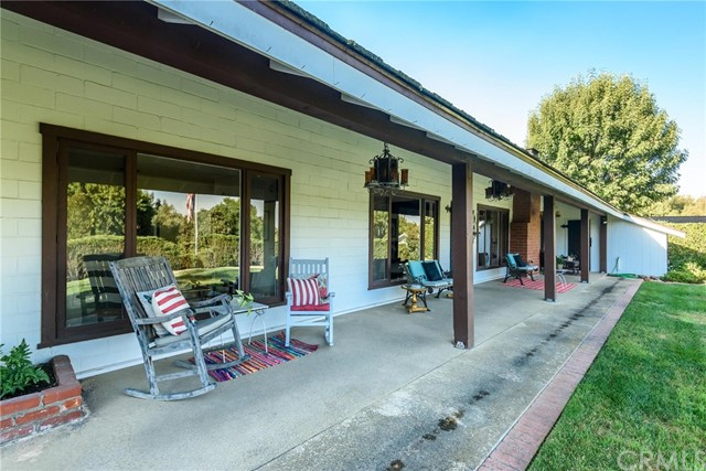 Photo of 10 Empty Saddle Road, Rolling Hills Estates, CA 90274