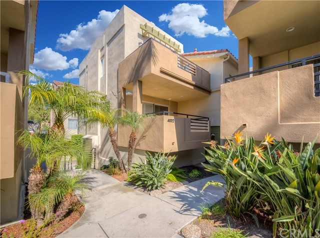 4002 164th Street, Lawndale, California 90260, 2 Bedrooms Bedrooms, ,2 BathroomsBathrooms,Townhouse,For Sale,164th,SB20038771