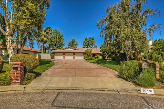 30828 La Solana Court, Redlands, CA 92373
