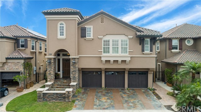 5672 Ocean Vista Drive, Huntington Beach, CA 92648