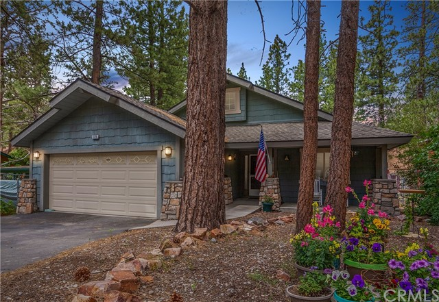329 E Sherwood Boulevard, Big Bear, CA 92314