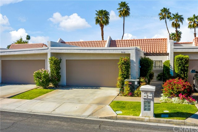 This Single Level condo in Montego Circle has recently received a fresh coat of paint, new flooring, and is priced to move quickly! This property is located in a small gated community of only a few dozen units featuring multiple pools and jacuzzi's and is located adjacent to the tennis court. The entire community is wrapped by a golf course. The large open entertaining area features a fireplace and large sliding doors opening to the beautifully maintained common areas. The kitchen is has plenty of cabinetry and also features a breakfast bar area that lunges into the great room and in addition to this there is a wet bar as well. The master bedroom also features a large slider letting in plenty of natural light and the bathroom has both a tub and walk-in shower. Don't miss out on this one!