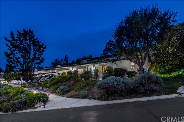 Photo of 160 Aspen Way, Rolling Hills Estates, CA 90274