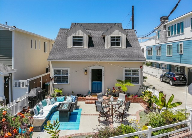 709 Valley Drive, Manhattan Beach, California 90266, 3 Bedrooms Bedrooms, ,2 BathroomsBathrooms,For Sale,Valley,SB20138836