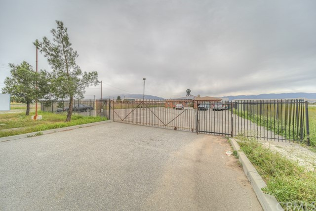 2430 W Base Line Road, Rialto, CA 92376