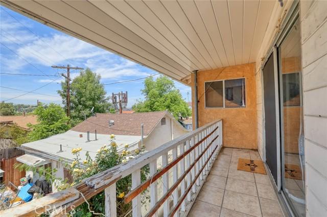 33. 5682 ALDAMA Street Highland Park, CA 90042