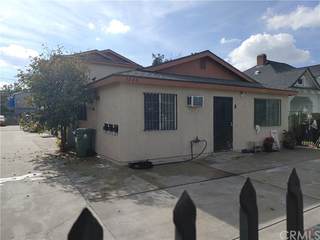 1320 W 37th Street, Los Angeles, CA 90007
