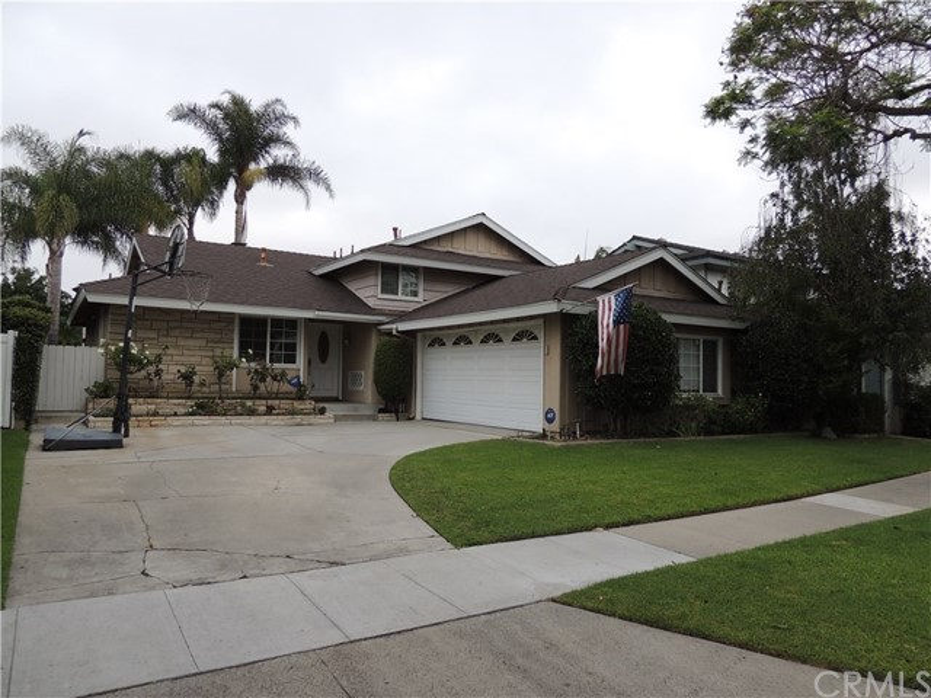 7855 E Ritchie Street, Long Beach, CA 90808