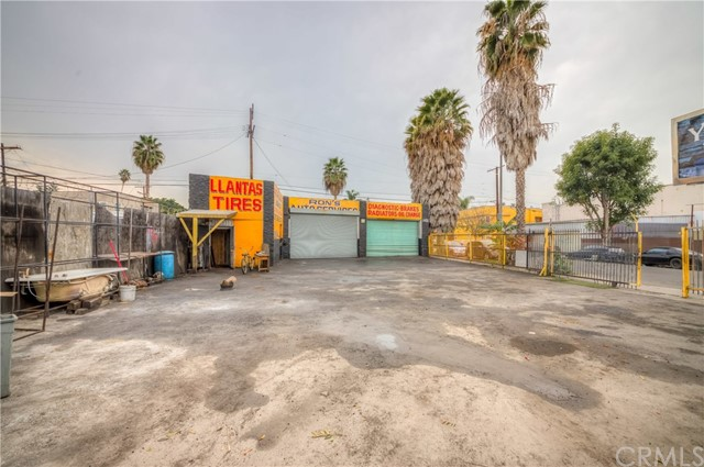 5426 W Adams Boulevard, Los Angeles, CA 90016