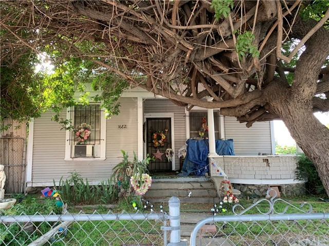 1682 N Park Avenue, Pomona, CA 91768