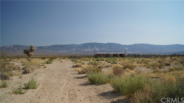 37023 Rabbit Springs Rd, Lucerne Valley, CA 92356 Photo 2
