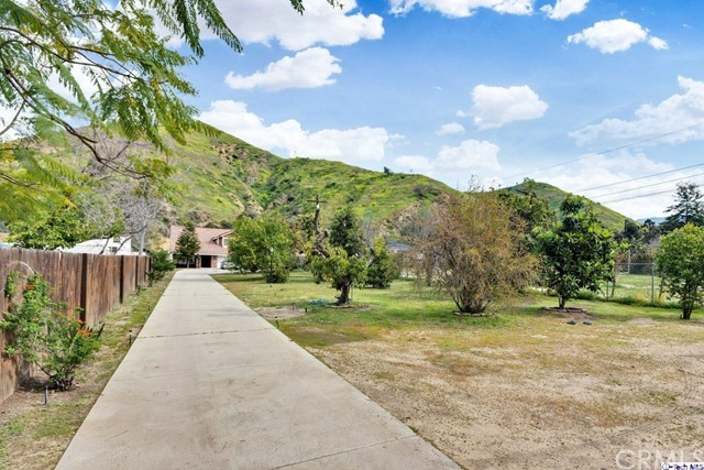 9653 La Tuna Canyon Road, Sun Valley, CA 91352