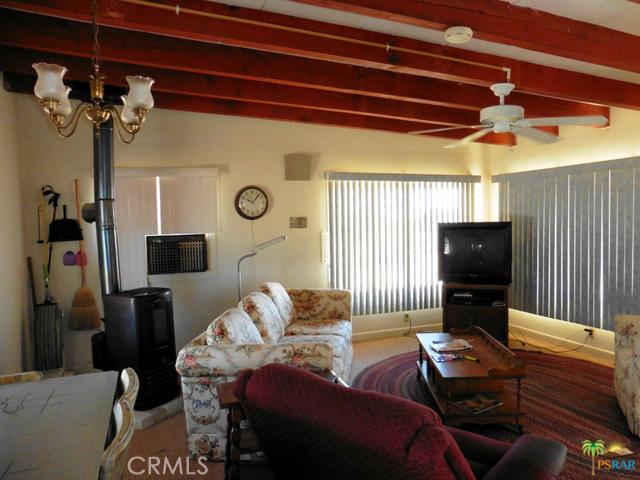 809 Phillips Rd, Landers, CA 92285 Photo 6