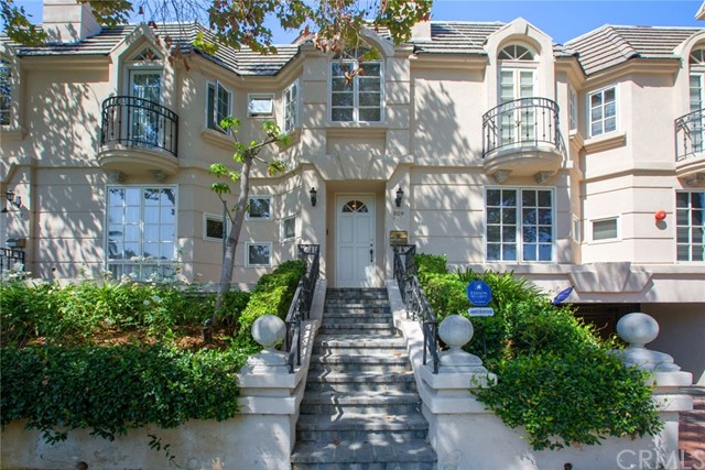 309 N Almont Drive, Beverly Hills, CA 90211