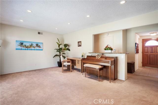 13. 23800 Tiara Street Woodland Hills, CA 91367