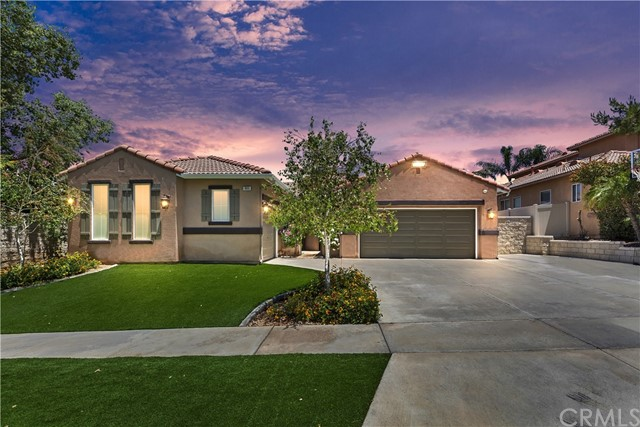 Photo of 865 W Orange Heights Lane, Corona, CA 92882