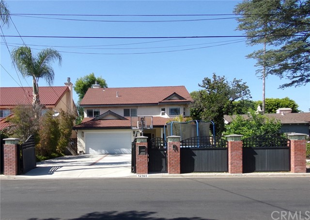 12161 Tiara St., Valley Village, CA 91607