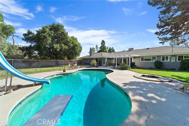 34. 306 N Valley Center Avenue Glendora, CA 91741