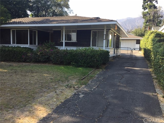 633 W Orange Grove Avenue, Sierra Madre, CA 91024