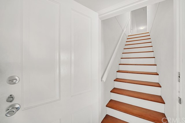 stairs to the upper extra large bedroom