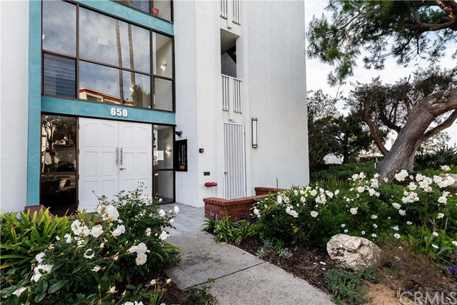 650 The, Redondo Beach, California 90277, 1 Bedroom Bedrooms, ,1 BathroomBathrooms,Condominium,For Sale,The,SB19009858