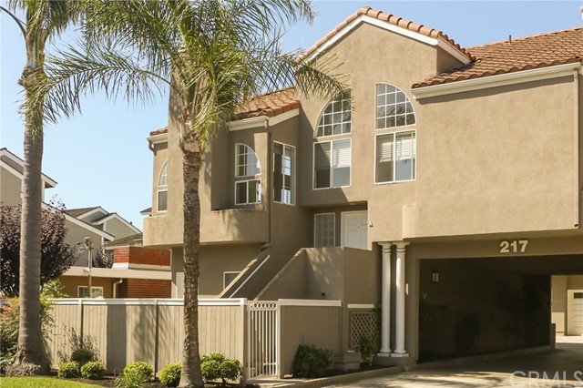 217 16th Place A, Costa Mesa, CA 92627