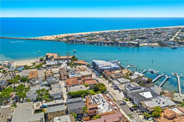 44. 302 Carnation Avenue Corona del Mar, CA 92625