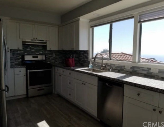 Beautiful remodeled units ,with breathtaking ocean views.