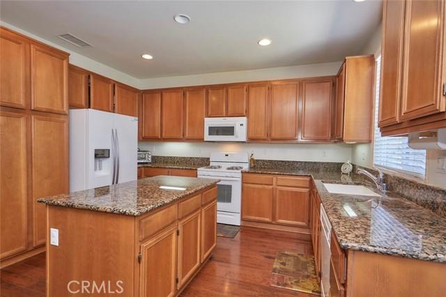 8443 Fillmore Ct, Oak Hills, CA 92344 Photo 15