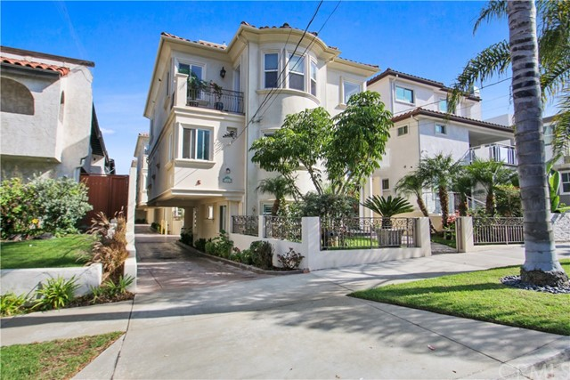 212 Lucia C, Redondo Beach, California 90277, 4 Bedrooms Bedrooms, ,2 BathroomsBathrooms,For Sale,Lucia,SB20235102