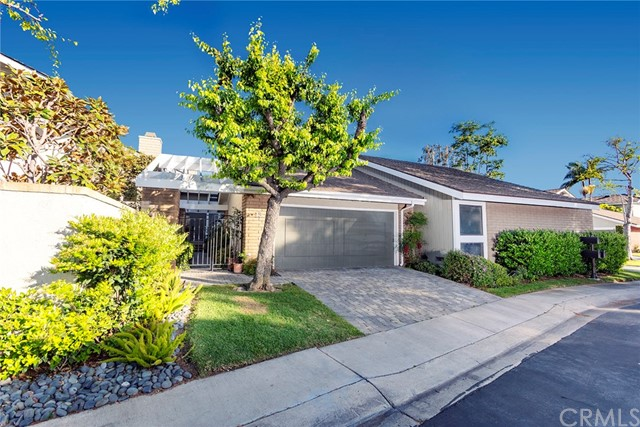 13 Lakeview 66, Irvine, CA 92604