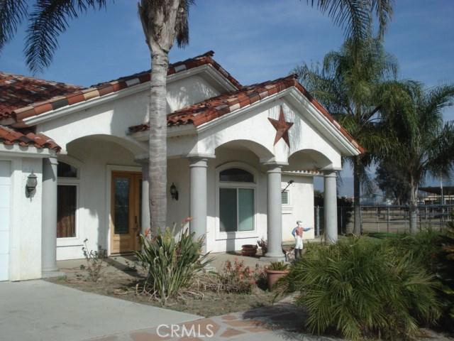 Photo of 1677 W Esplanade, San Jacinto, CA 92582