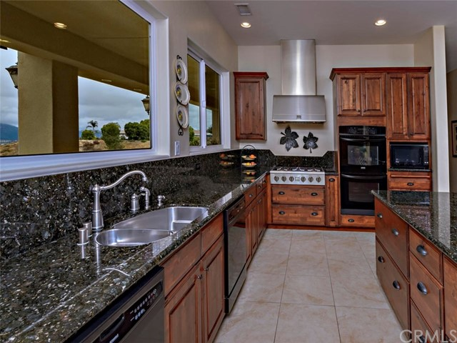 42251 Altanos Rd, Temecula, CA 92592 Photo 12